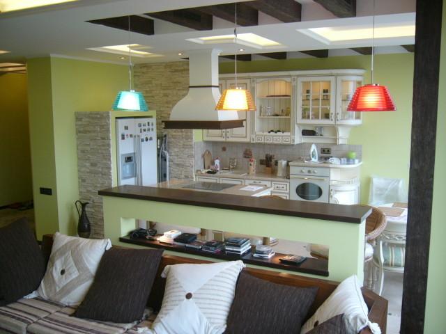 Дизайн объединенной кухни и зала