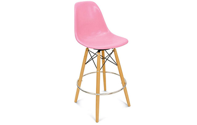 Case-Study-fiberglass-shell-bar-stool-by-Modernica
