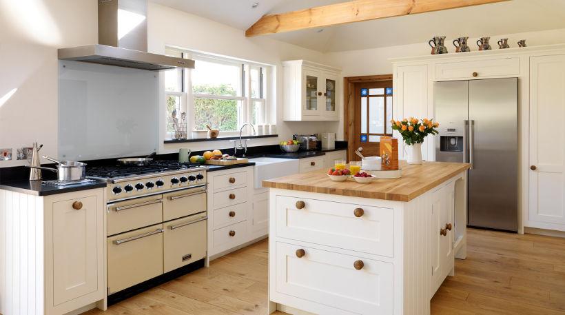 Современный взгляд на кухню в стиле кантри