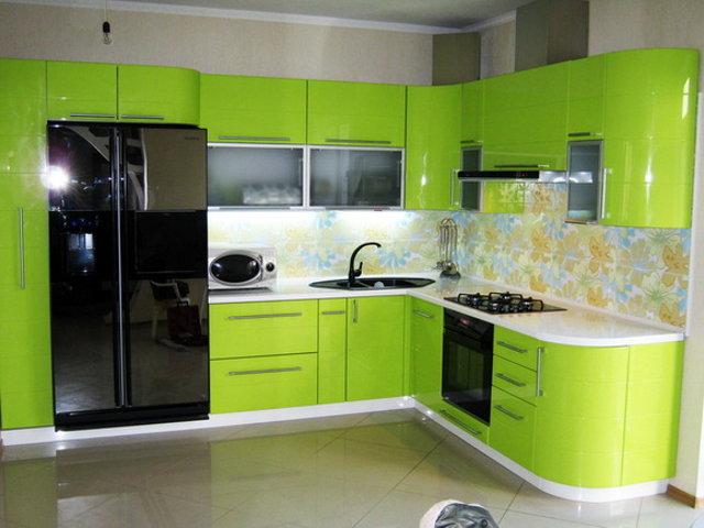 Маленькая салатовая кухня в стиле модерн