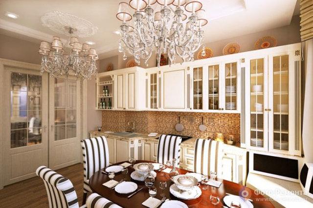 Кухня-столовая в светлых тонах в английском стиле