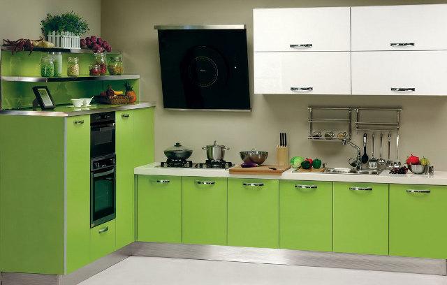Бело-зеленый кухонный гарнитур