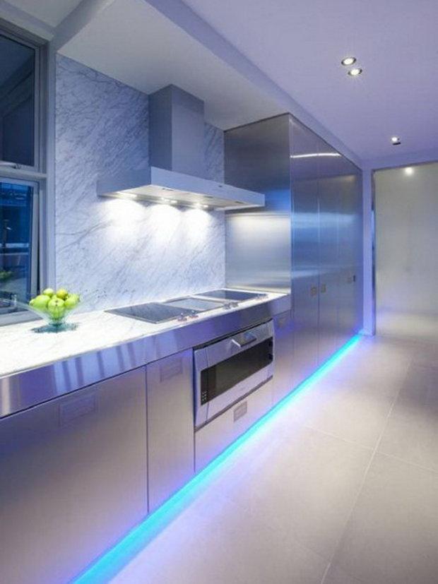 Подсветка светодиодной лентой низа кухонных шкафов и пола