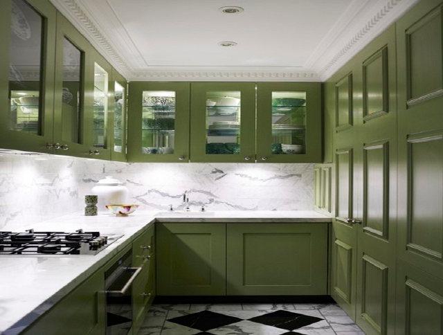 П-образная кухня оливковая с белым