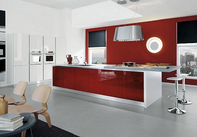 Современный интерьер кухни красно-белого цвета