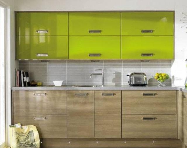 Кухня цвета лайма с бежевым<