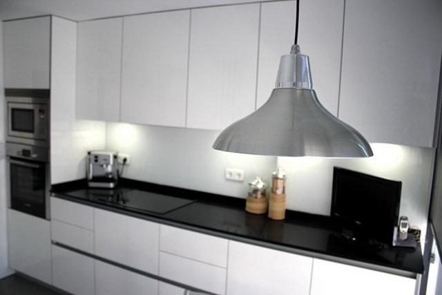 Люстра для кухни в стиле минимализм: главное простота форм