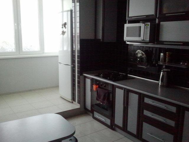 Кухня объединенная с лоджией с демонтажем оконного и дверного проема