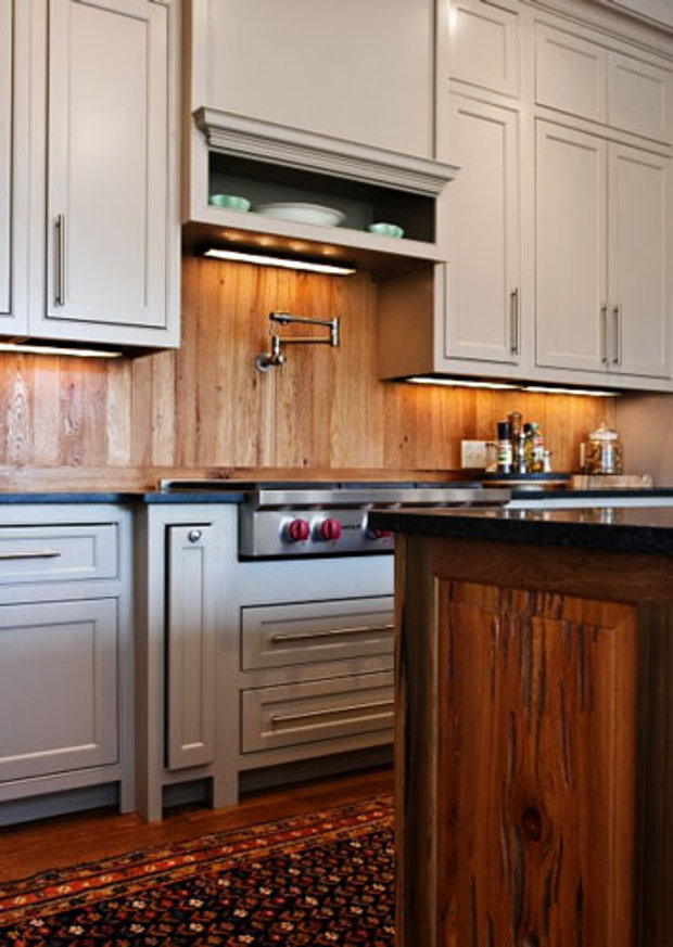 Кухонный фартук из дерева не очень практичен