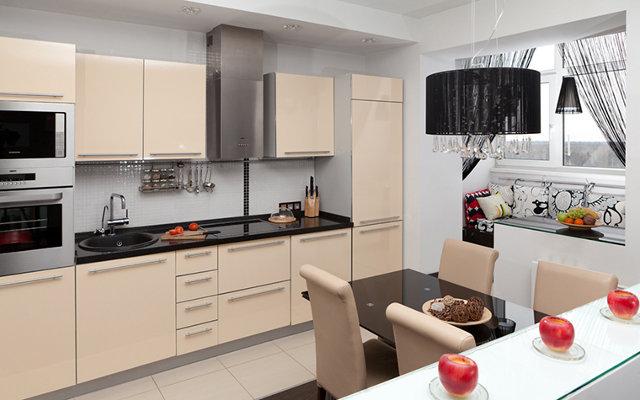 Стильный дизайн объединенной с лоджией кухни