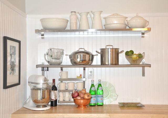 Металлические кухонные полки для посуды