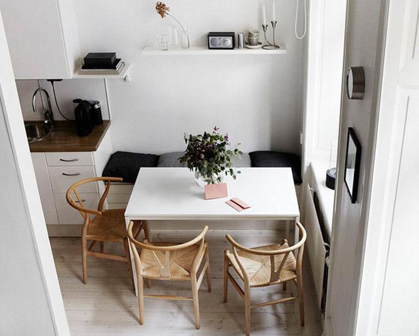 Стол для белой кухни